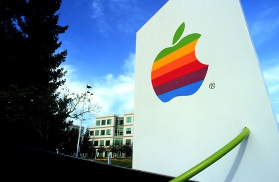 When his project was canceled, an unemployed programmer kept sneaking into Apple to finish the job. [via Mental Floss]