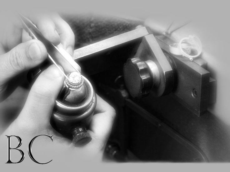 Coleção Exclusive - Joias Finas   Para preparar peças com exclusividade é necessário paixão...A linha exclusiva é composta de peças limitadas pis seu trabalho meticuloso é agregado a mão. Suas peças únicas são igualmente distribuídas  entre Brasil, Zurique e Amsterdã.  Para a satisfação de nossos clientes, estes design são idealizados para exclusividade é destinado a ser exclusivo e limitado.   www.brasacanela.com.br  #BC #BrasaCanela #BCSocietyMagazine #SuelleHarts brasa canela
