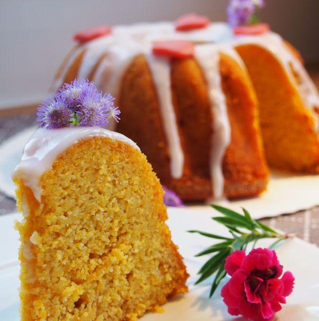 Морковь и яблоко Bundt торт