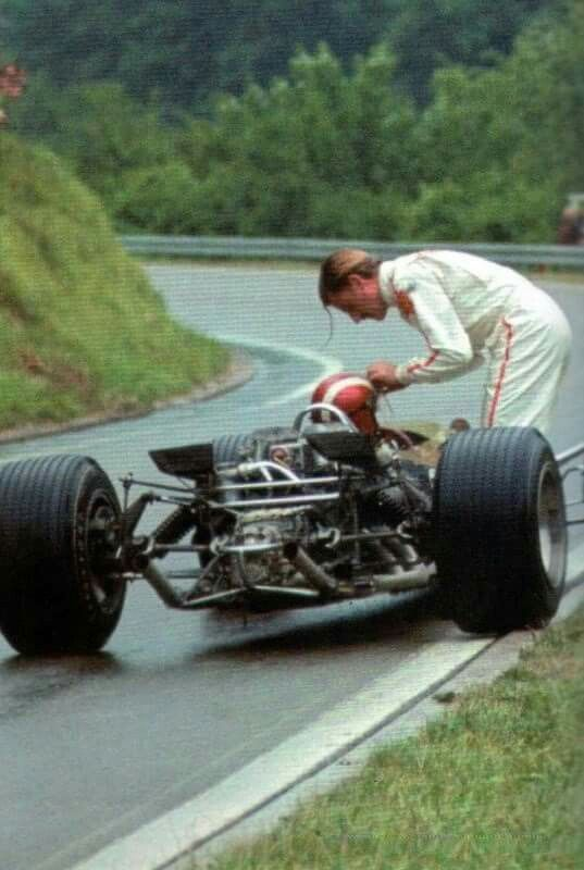 Is he Graham Hill ?