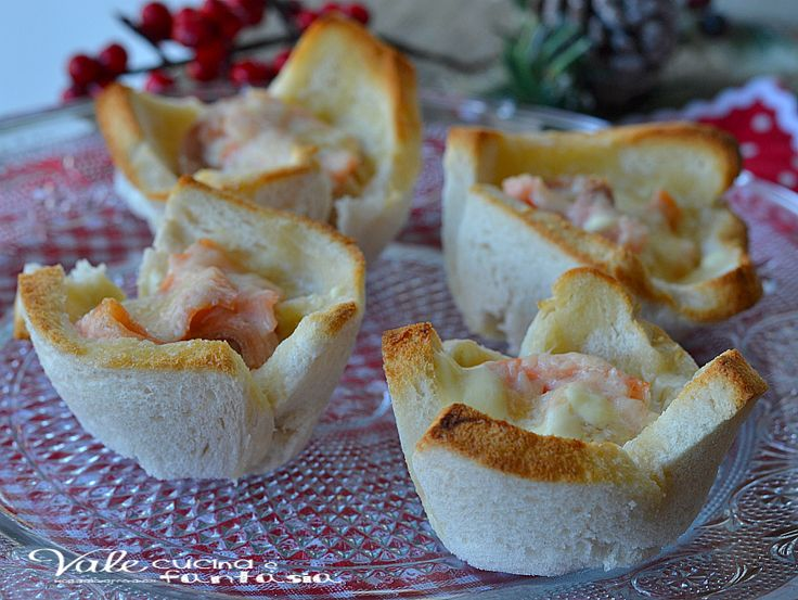 Cestini di pancarrè con salmone e robiola ricetta veloce