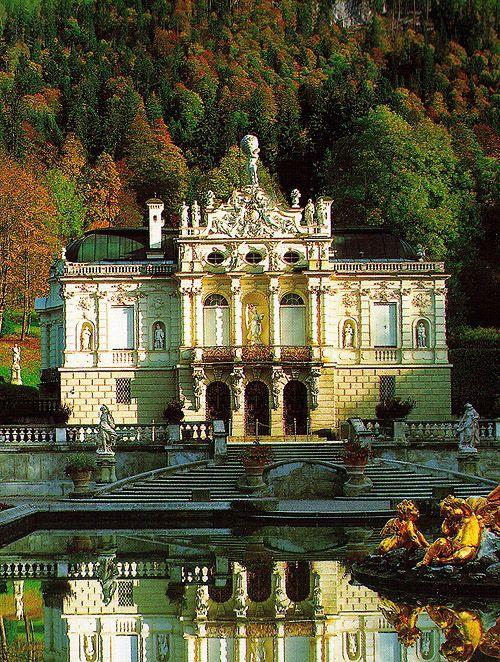 Schloss Linderhof (Linderhof Palace), Bavaria, Germany. - www.castlesandmanorhouses.com