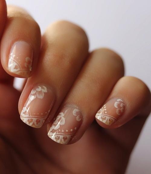 Very elegant idea for nails. <3