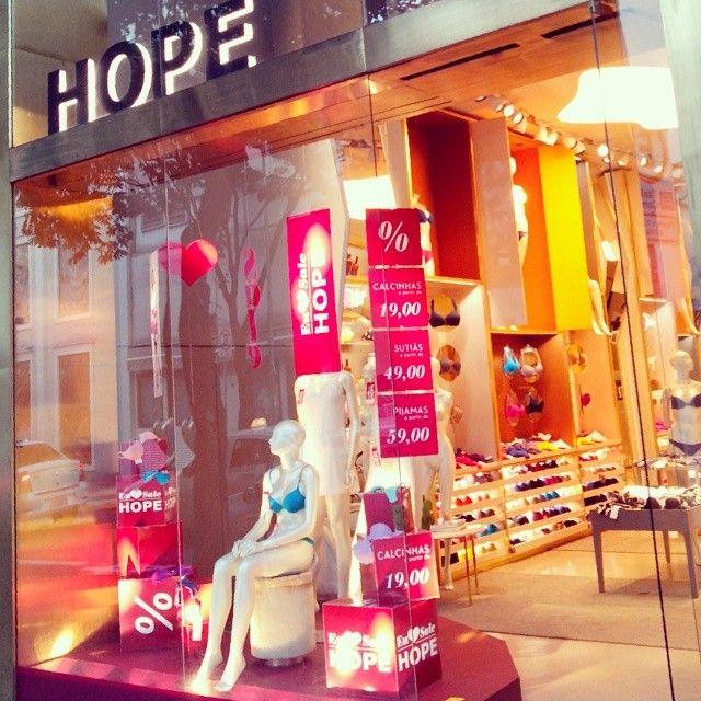 Loja da marca Hope em SP! #hopelingerie #hope #oscarfreiresp #oscarfreire #saopaulobrasil #saopaulo #lingerie #cor #color #feminino #fashion #fachada #instafashion #loucasporlingerie #loja #moda #store #storedesign #storestyle #visualmerchandisign #vitrines #vitrina #vitrine