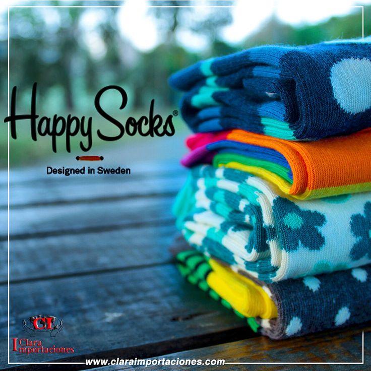 Es que esta de mas decirlo que las medias de colores son la moda  así que si no tienes las tu ya,  es el momento de pensar seriamente en conseguir esa media que te dará el toque especial a tu outfit #happysocks happy Socks