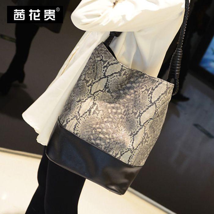 Купить товар2015 мода одно плечо портативный ведро сумка картина пакет боа из перьев женская сумка большая сумка большой емкости в категории перемётные сумкина AliExpress.  ДЕТАЛИ ПРОДУКТА