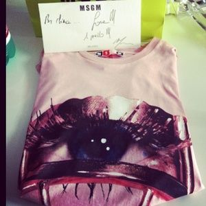 all-eyes-on-my-new-msgm-official-tee-thank-you-mrmsgm-besidecom-pr-for-this-great-surprise-msgm-weloveit