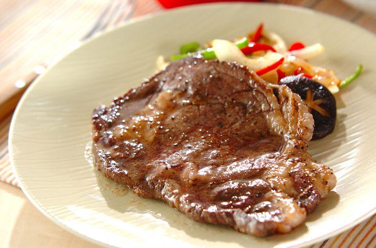 野菜添えステーキのレシピ・作り方 - 簡単プロの料理レシピ | E・レシピ