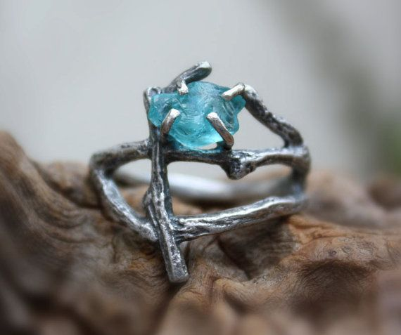 Rough apatite statement branch ring raw gemstone por aifosjewels