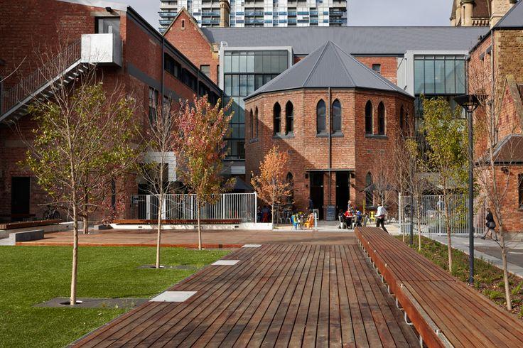 RMIT-University-Lawn-by-Peter-Elliott-Pty-Ltd-Architecture-Urban-Design-03 « Landscape Architecture Works | Landezine