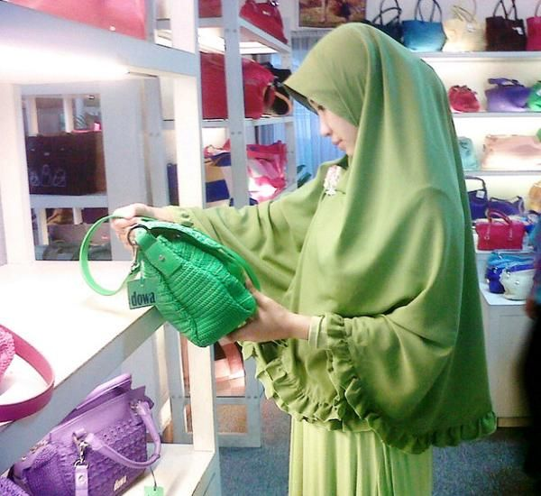 keep it #shar'i everywhere. easy and simple #style with instant khimar ^^