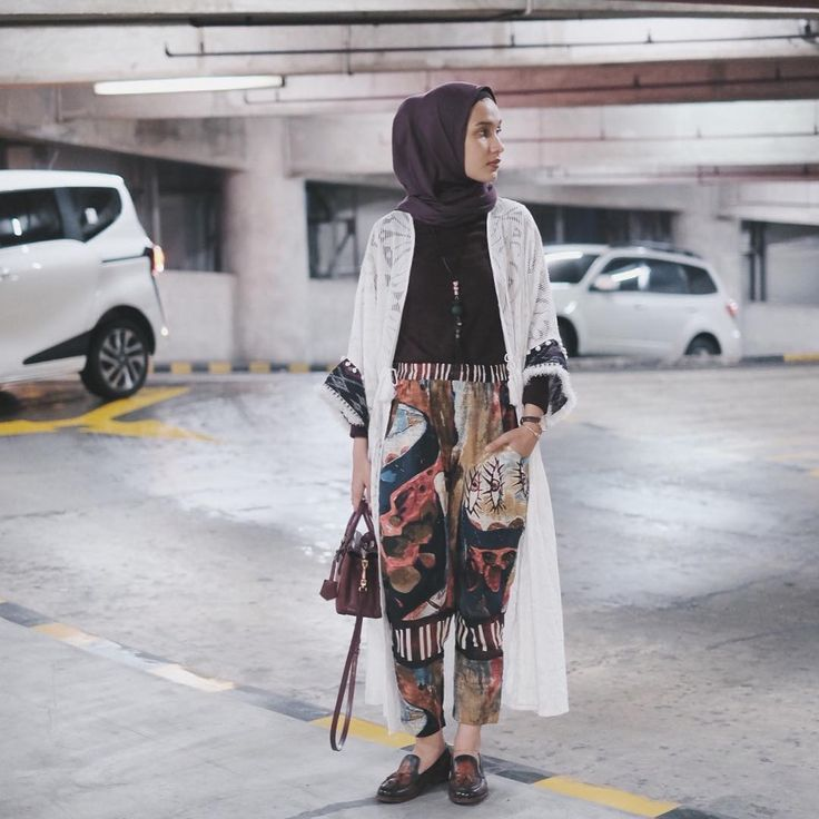 "9,857 Likes, 30 Comments - дви хaндaяни (@dwihandaanda) on Instagram: ""Playing with pattern outfit. Pattern Pants : @saninahofficial // lace bohemian outer : @toskamalika…"""