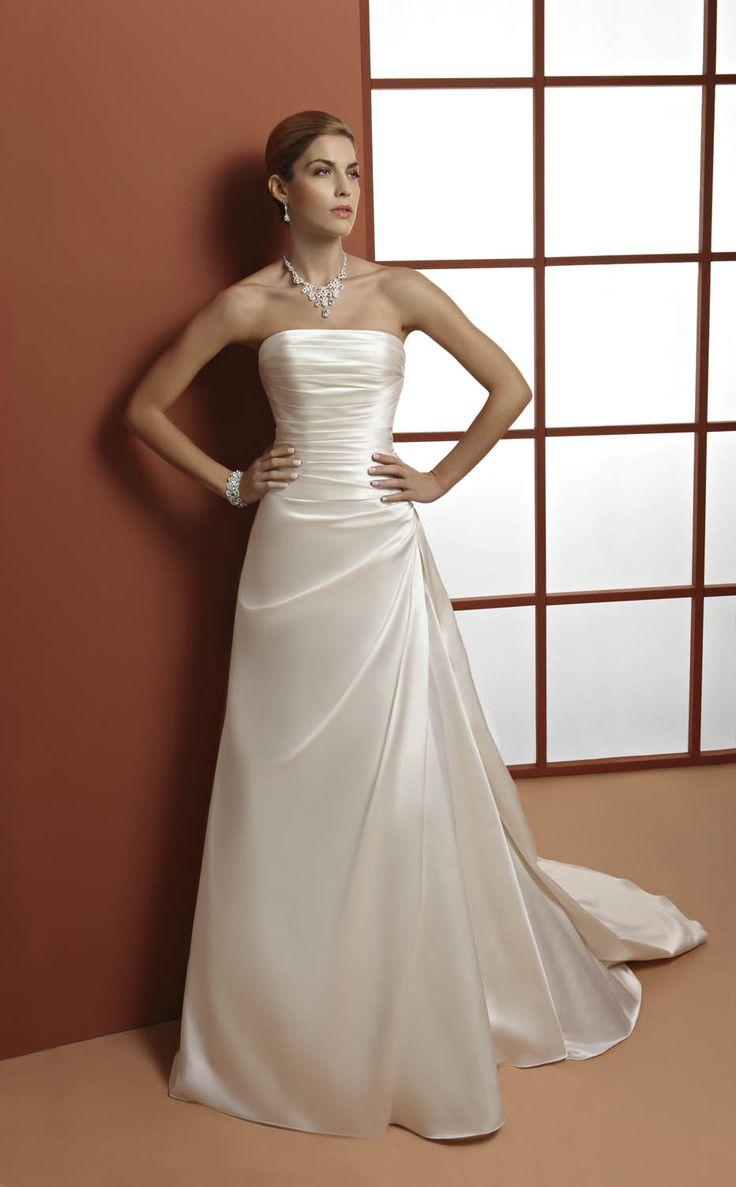 abito da sposa in raso  www.protagonisti.it