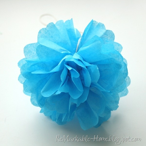 Learn To Make Tissue Pom Poms {Tutorial @ ReMarkableHome.net}  {www.ReMarkableHome.net}