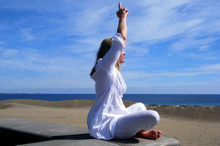 Sköna, avslappnade behandlingar i harmonisk miljö: Zonterapi/Reflexologi, Ansiktsbehandlingar, Tibetansk Ansiktsmassage, Healing, Öronljus. Massage.