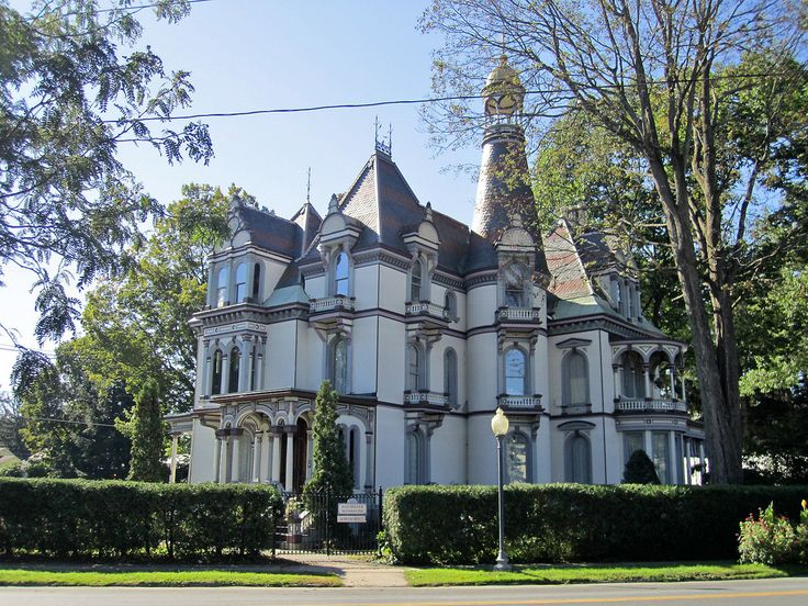 121 best images about queen anne victorian houses on for New victorian homes