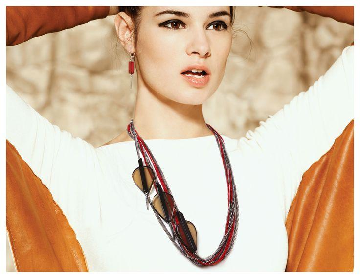 Collier/Necklace: RANU 03-E | Boucles d'oreilles/Earrings: ETINI 10
