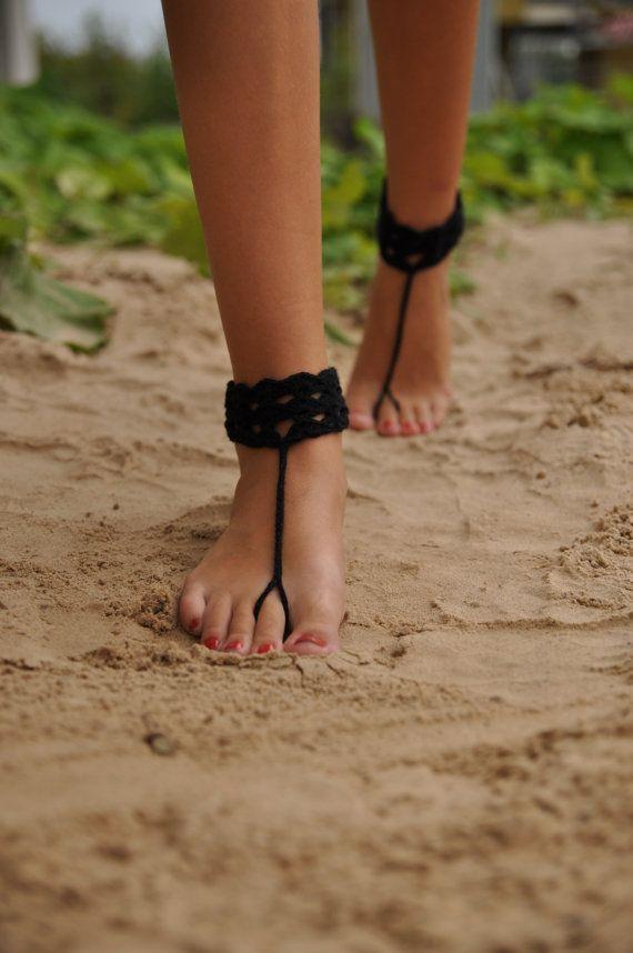 Negro de ganchillo descalzo sandalias por barmine en Etsy