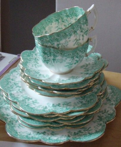 Vintage tea set. & 161 best Green and White China images on Pinterest   Dishes Tea ...