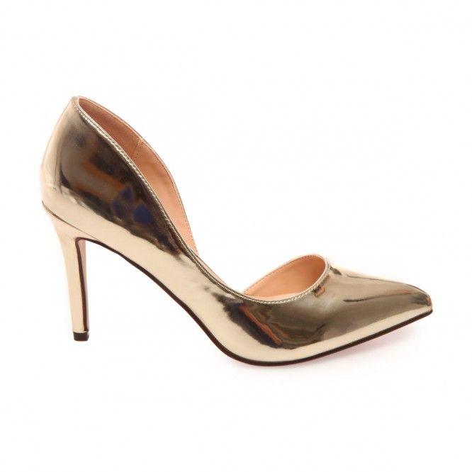 On craque pour ces escarpins dorés échancrées !  #modeuse #été #20116 #ss16 #escarpins #talons