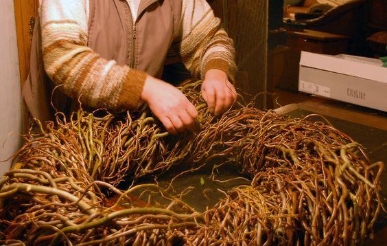 Dekorative Weidenkränze flechten   LandLebenslust