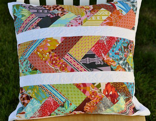 Love this scrap busting pillow :D from Crafty Fox.Direction Pillows, Chevron Pillows, Pillows Tutorials, Crafty Foxes, Pillows Pattern, Quilt Pillows, Herringbone Pillows, Chevron Quilt, Diy Pillows