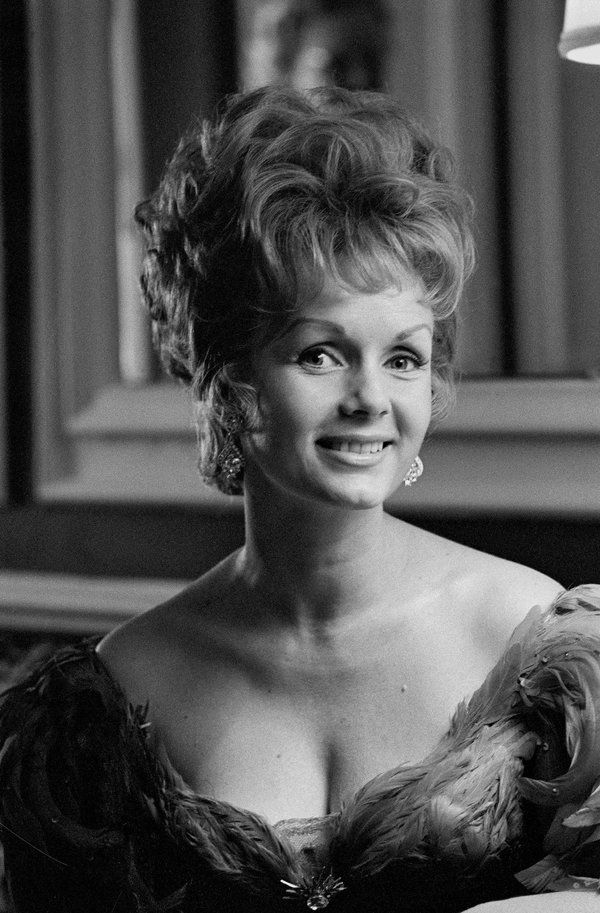 The Unsinkable Debbie Reynolds Carrie FisherStar