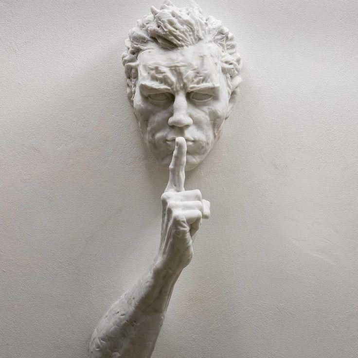 календулы фото голова в стене скульптура выбрать
