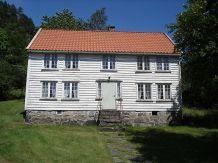 gammelt tømmerhus