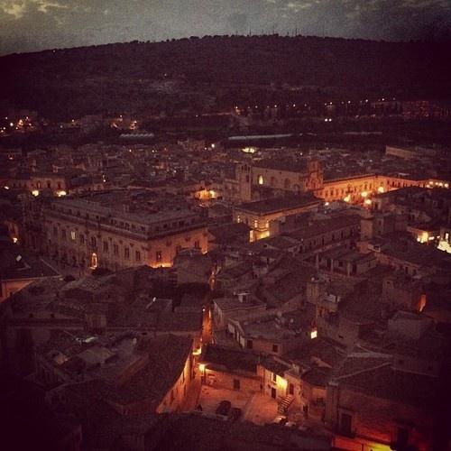 Suggestivi panorami notturni  Instagram: davidescicli  #sciclidigitale #Italy #Sicily #instagram