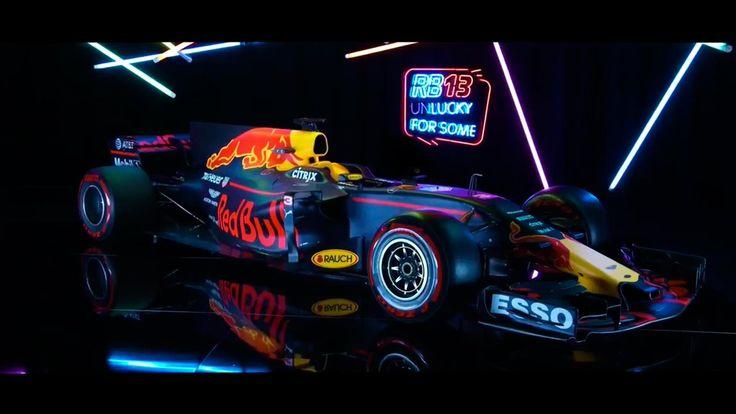 Red Bull ha hecho públicas las primeras imágenes de su monoplaza para la temporada 2017 de Fórmula 1. El coche de Max Verstappen y Daniil Kyvat