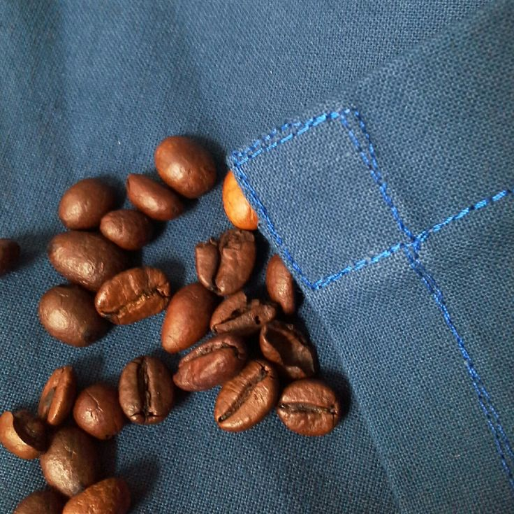 Double stitched seams for a longlasting use! All my #aprons are prewashed! #dappergent #menstyle #beardedmen #baristas