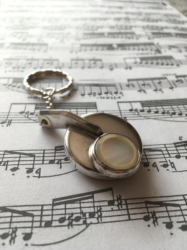 Keychain - Vintage Saxophone Key by MusicDecorAndJewelry on Etsy https://www.etsy.com/listing/518942363/keychain-vintage-saxophone-key