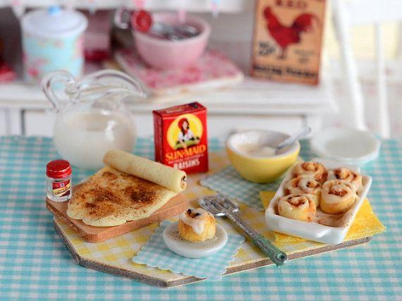 Miniature Baking Cinnamon Rolls Set por CuteinMiniature en Etsy