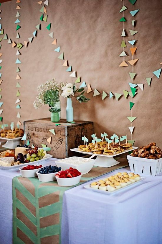 Brunch buffet by Hey There | http://sweetpartygoods.blogspot.com