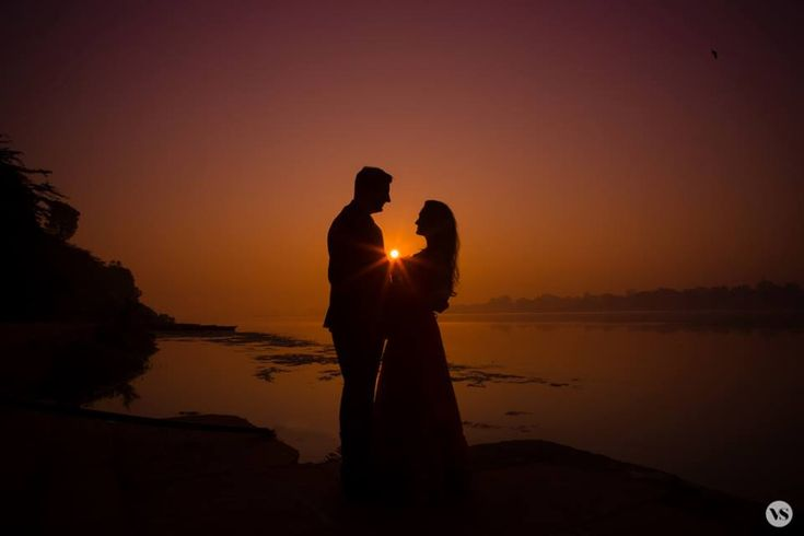 ✨ Photo by Vivek Samaiya's Photography, Indore #weddingnet #wedding #india #indian #indianwedding #prewedding #photoshoot #photoset #hindu #sikh #south #photographer #photography #inspiration #planner #organisation #invitations #details #sweet #cute #gorgeous #fabulous #couple #hearts #lovestory #day #casual