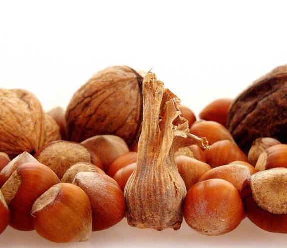 Un pugno di frutta secca al giorno per aiutarci a dimagrire