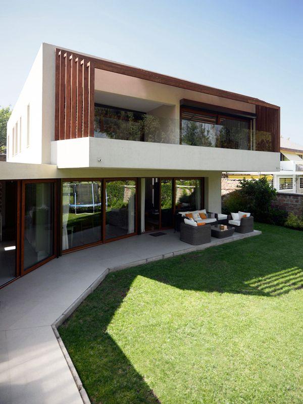 Casa Cordero Zamorano. La Reina, Santiago, Chile TNG Arquitectos
