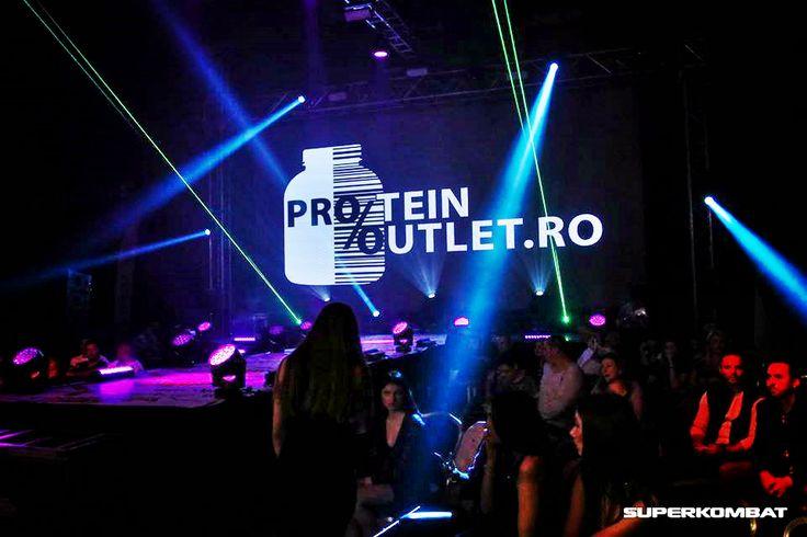 Protein Outlet va ofera cele mai mici preturi la suplimentele pentru culturism din Romania! Gasiti proteine, gainere, aminoacizi (BCAA), creatina, oxid nitric, vitamine si multe alte!