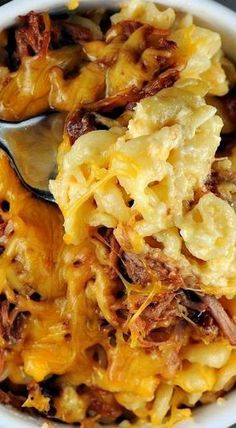 """Pulled Pork Mac and Cheese (Gee in terms of """"comfort"""" food, does it get any better than this? YUM"""