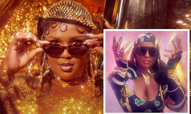 Lizzo Oozes Glamour As She Throws Some Shade In New Ad Campaign In 2020 Ad Campaign Glamour Campaign