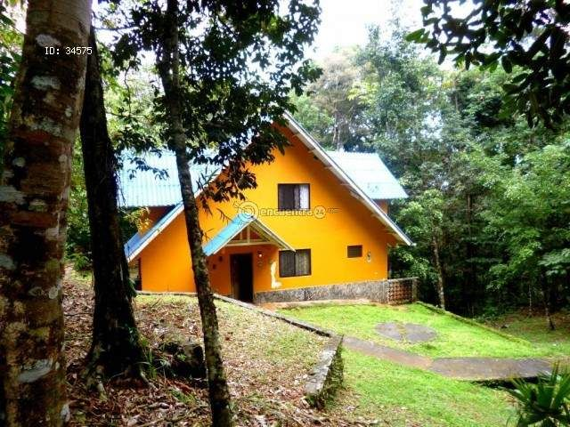 Houses in Panama / Panama | For Sale | Beautiful Mountain Property for Sale in Cerro Azul : 3 rooms, 247 m2, USD 120000.00