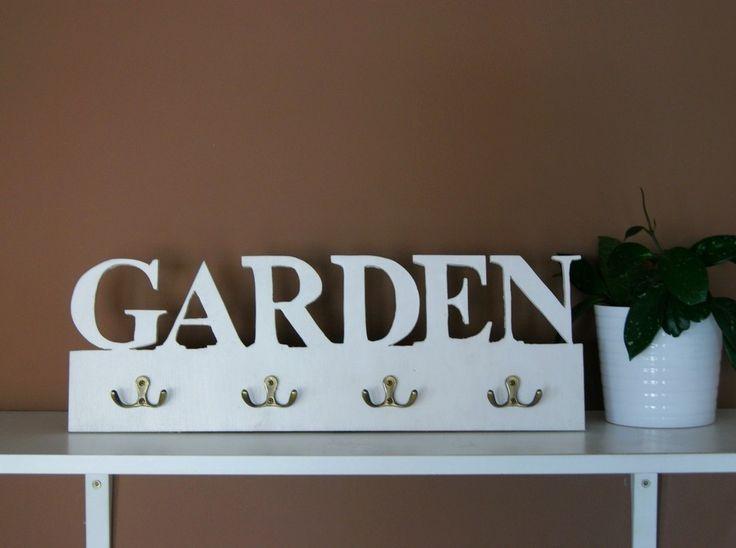 Garden - key hanging.