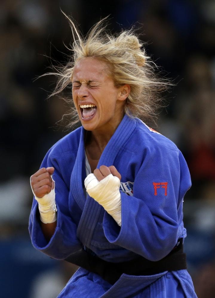 Rosalba of Italy celebrates her victory in Judo