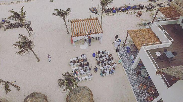 En direct de playa Del Carmen mac & shan congratulations  #mexic#canada#weddingphotography#weddingdress#drinks#party#vaction#bachelorparty#hotel#riveramaya#spvgphoto#mtl http://gelinshop.com/ipost/1524409852319185762/?code=BUnyq8blzti