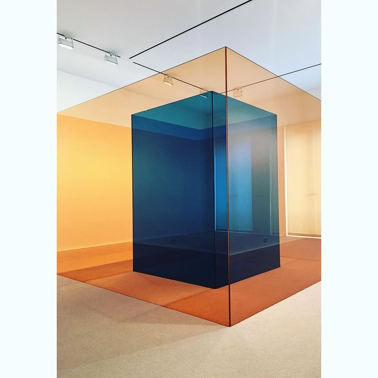 Glad I made it on the last day.  Larry Bell — From the 60's  #hauserandwirth #larrybell #glassdreams