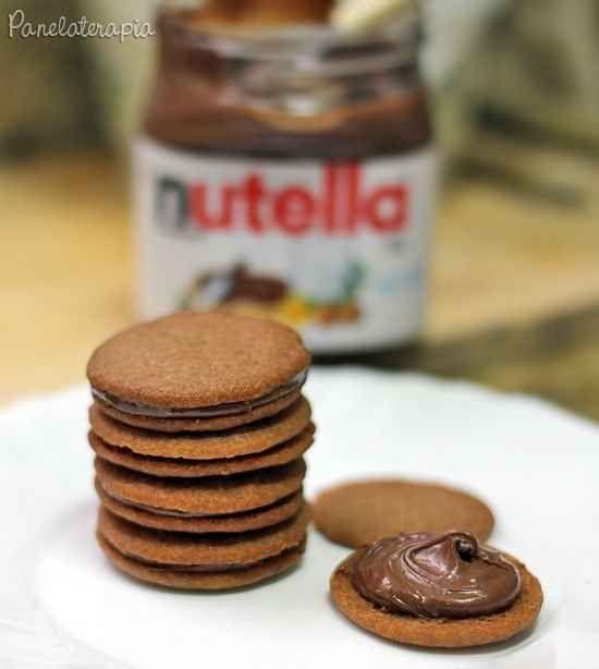 Dá para fazer biscoito recheado em casa — e a receita usa apenas cinco ingredientes.