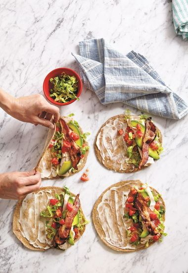 Lunch box ideas - looks like it'll also be good for picnics portable/on-the-go road trip meals