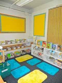Use bathmats to establish personal space during reading time. | 25 Clever Classroom Tips For Elementary School Teachers