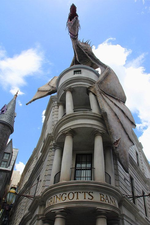 63 Photos Of Universal's Diagon Alley That Potterheads Need To See